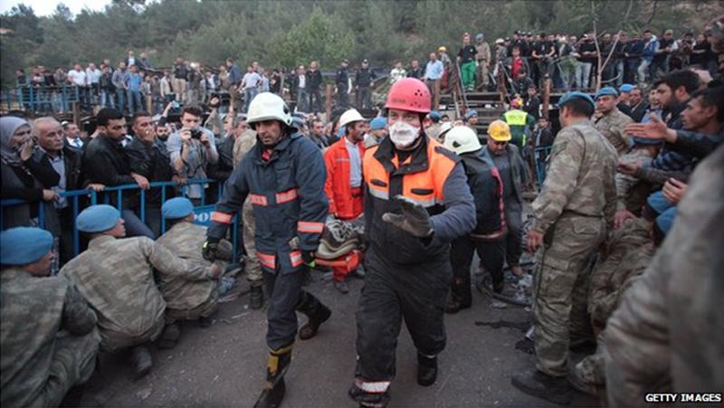 Turkish mine disaster: Unions calls protest strike