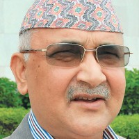 Dahal playing dual role to hinder constitution: Oli